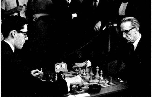 <p>Walter Hopps and Marcel Duchamp play chess at the Pasadena Art Museum, 1963</p>